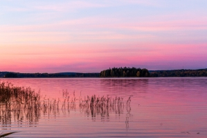Sweden-sunset-Lake
